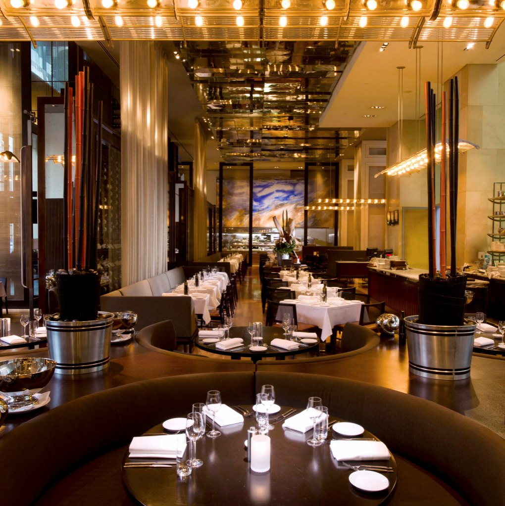 Hilton Sydney - Glass Restaurant
