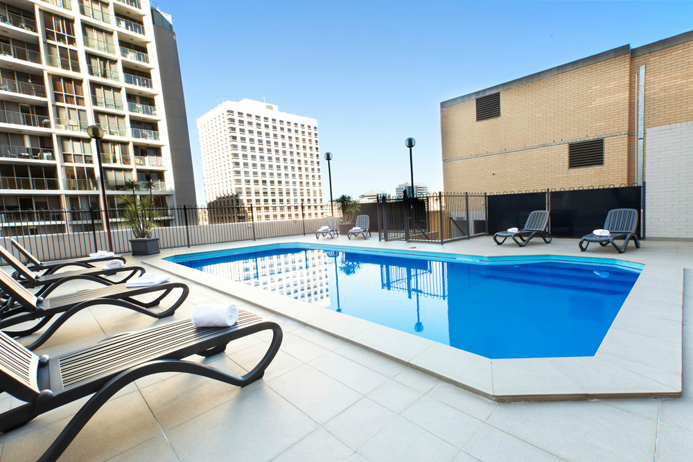 Metro Hotel Sydney - Swimming Pool